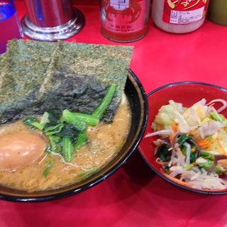 ラーメン+味玉+野菜畑(吉村家 (よしむらや))