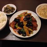 揚げ豆腐と豚肉の四川風炒め(慶賓樓 (慶賓楼 ケイヒンロウ))