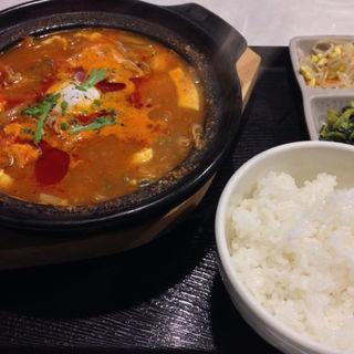 激辛プルコギ純豆腐チゲ(ゼスン食堂)