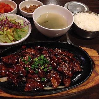 とん豚焼肉定食(とん豚テジ 六本木店 )