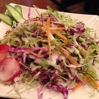 新鮮な野菜とグリーンサラダ (イタリアンドレッシング)(南インド料理ダクシン 八重洲店 )