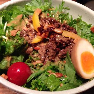 冷し胡麻ダレサラダ麺(大盛)(ジョニーヌードル )