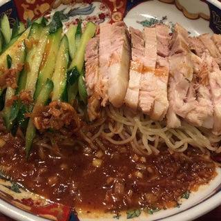 太肉涼麺(だあろうりゃんめん)(支那麺 はしご 入船店 (しなめんはしご))