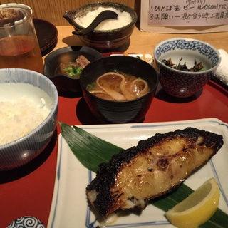 今日の炭火焼き 甘い味噌西京漬け  脂かれい(旬の味 たき下 (たきした))