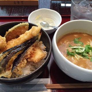 丸の内ランチ(ハーフカレーうどん&ハーフ天丼)(古奈屋 丸の内オアゾ店 (こなや))