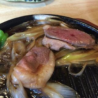 本鴨ロース鉄板焼き(手打ち蕎麦 彦 (てうちそば げん))