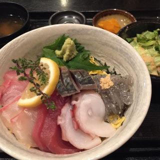 特選海鮮丼(勝手口じゅん (かってぐちじゅん))