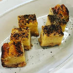黒胡椒とパルメザンチーズのブロックチーズケーキ