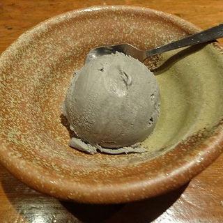 黒ゴマアイス (尾っぽや (おっぽや))