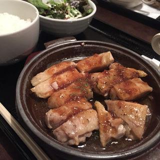 チキングリル定食(馬肉バル 跳ね馬 )