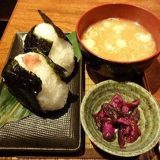 おにぎり・2つ(青木鮮魚店 (【旧店名】海鮮 炉ばた 炭菜坊))