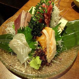 刺身4点盛り(青木鮮魚店 (【旧店名】海鮮 炉ばた 炭菜坊))