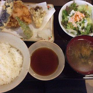 野菜かき揚げ定食(ガーデンテラス )