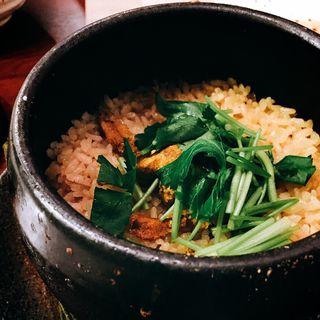 たっぷりウニの土鍋ご飯(とりきち三平 新橋2号店 )