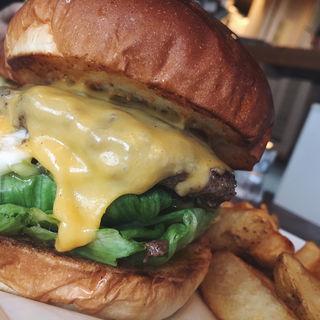 チーズバーガー(ArmS Park Side Burger Shop)