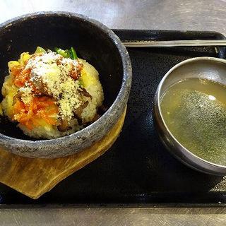 石焼チーズビビンバ (韓豚屋 新横浜店 (ハンテジヤ))
