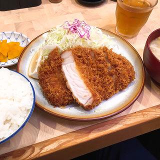 ロースカツ定食(檍 (あおき))