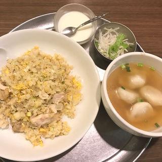 ネギ入り鶏肉炒飯+水餃子(鑫隆楼 (シンロンロウ))