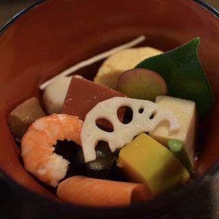 茶つぼ三段弁当(韻松亭 (いんしょうてい))