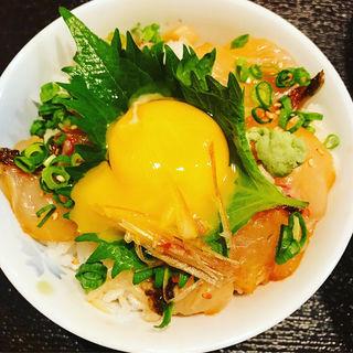 鯛漬け丼(博多うどん居酒屋 泰吉)