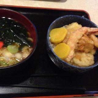 わかめうどんとミニ天丼(レストラン 千味 )