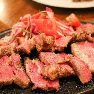 北海道白糠産 遊牧民スタイルの羊串焼き(マルディ・グラ (Mardi Gras))