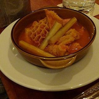 トリッパのトマト煮込み(サンシモン )