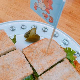 くいしんぼうのカツサンド(カフェ麦わらぼうし (カフェムギワラボウシ))