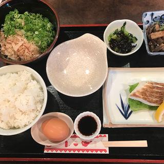 鯛の塩焼き定食(味加味 (みかみ))
