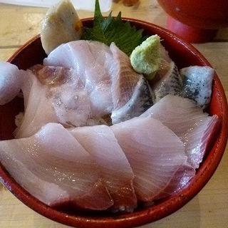 地魚2種ブリ丼(海舟 (KAISHU カイシュウ))