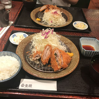 梅しそとチーズのバラカツ盛合わせ御膳(富金豚 金沢フォーラス店 (とみきんとん))