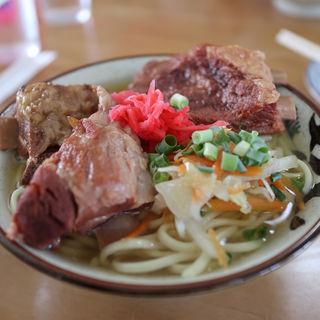 ソーキそば(丸吉食堂 (まるよししょくどう))