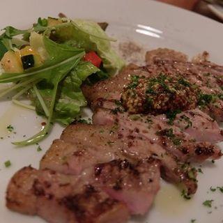 イベリコ豚ベジョータの塩レモンサラダ仕立て(イナロ食堂 )