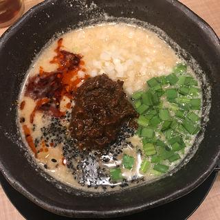 担々麺ハーフ(麻婆豆腐・チャーハン ロンフーダイニング 博多1番街店)