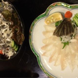 てっちりと河豚皮サラダ(元祖瓦そば たかせ 本館 (がんそかわらそば たかせ))