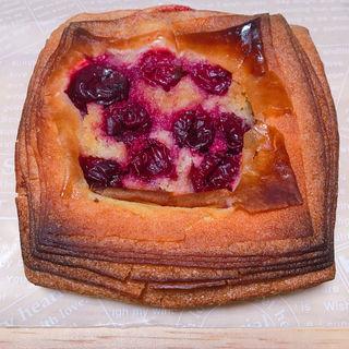 アメリカンチェリーのデニッシュ(Croix-Rousse (クロワ ルース))