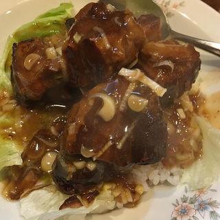 豚肉角煮ご飯(亀仙人 )