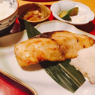 かんぱち塩焼き(伊豆の旬 やんも 南青山店 (いずのしゅん やんも))