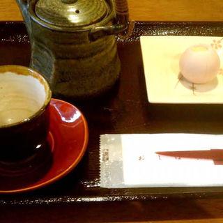お煎茶と生菓子のセット(甘味処 楓 (かえで))