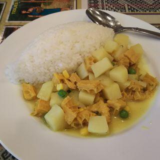 カウカウ(ハチノスとジャガイモの煮込み)(レストラン アルコイリス 川崎店)