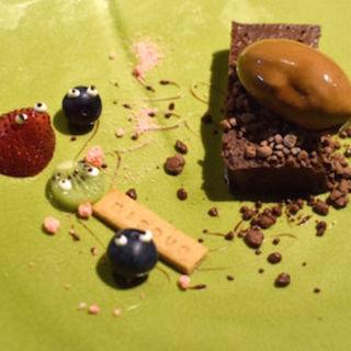 チョコレートのテリーヌ チョコレートアイス載せ(ビズ 神楽坂 (bisous))