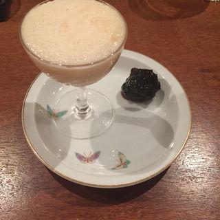 白桃のジェラート 梅の黒煮(コノ花まひろ )