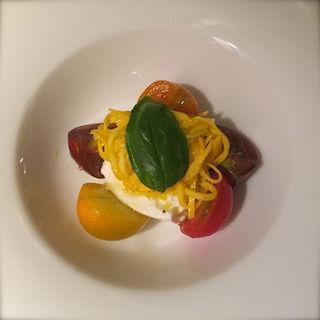 種のトマトのカプレーゼ(Il vischio イルヴィスキオ)