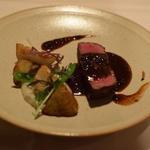 牛フィレ肉のポアレ トリュフ風味のマデイラソース