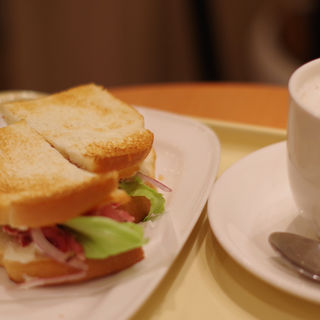 朝カフェBセット ビーフパストラミとチェダーチーズ(ドトールコーヒーショップ 姫路みゆき通り店 (DOUTOR))