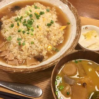 醤油あんかけ炒飯(九州料理 居酒屋 かてて 茅場町店)