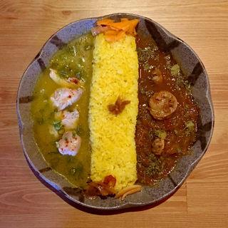 蒸し鶏と柚子胡椒のスパイシー冷製カレー & 帆立とあさりのレッドカレー(バー カナタ (Bar Kanata))