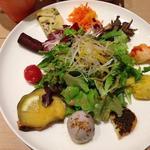 色々なお野菜料理の乗ったプレート