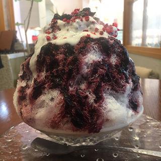 ブルーベリーミルクとヨーグルトのかき氷(Miss Berry)