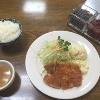 チキンカツ定食ランチ(オゼキ分店吉田 )